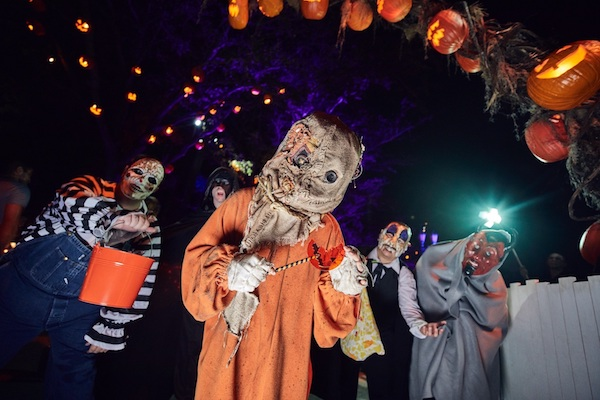 """Trick'r Treat"" Scare Zone-Halloween Horror Nights. Universal Studios"